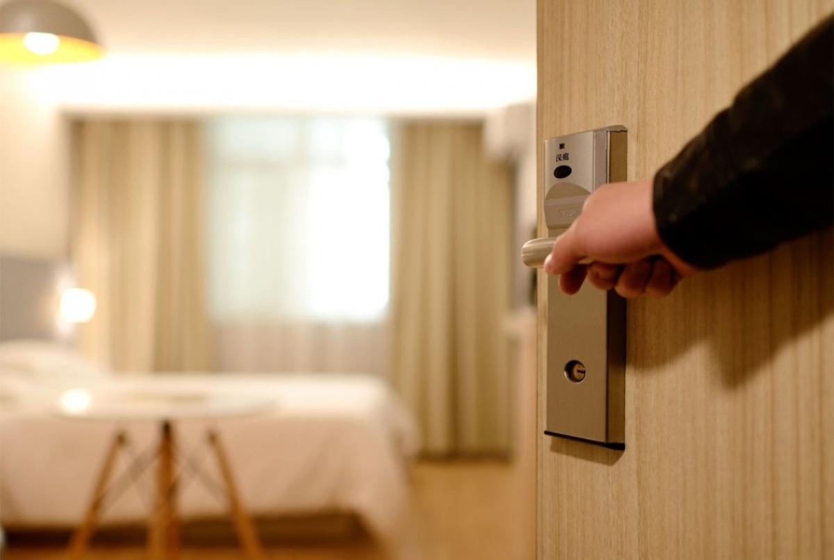 Міністерство охорони здоров'я України затвердило проєкт рекомендацій щодо роботи готелів на період карантину у зв'язку з поширенням коронавірусної хвороби.
